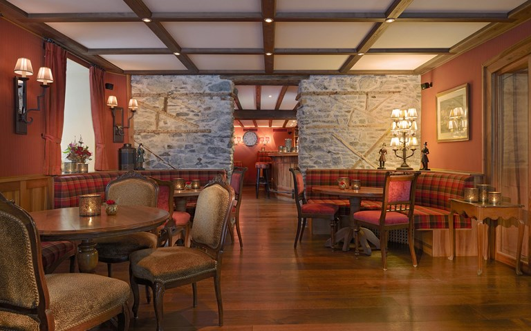Edwards Bar Zermatt MR Lobby 24 48 New