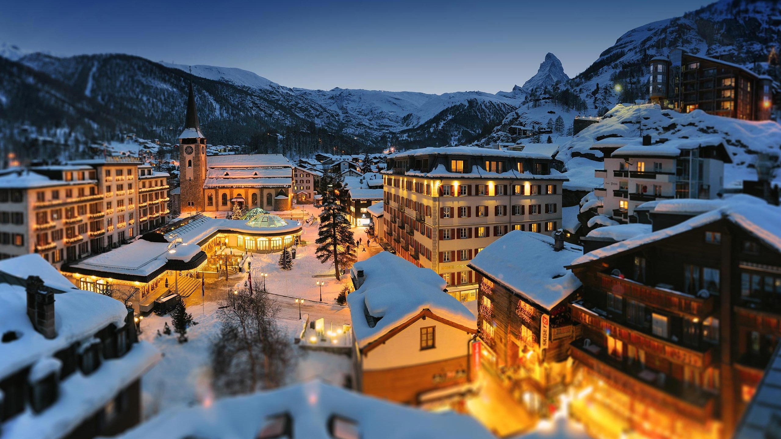Winterstimmung Grand Hotels Im Dorfzentrum